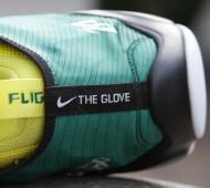 900 Glove 2