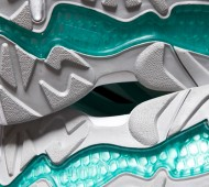 sharkbait-sneaker-freaker-8