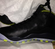 air-jordan-10-black-cool-grey-anthracite-venom-green-4