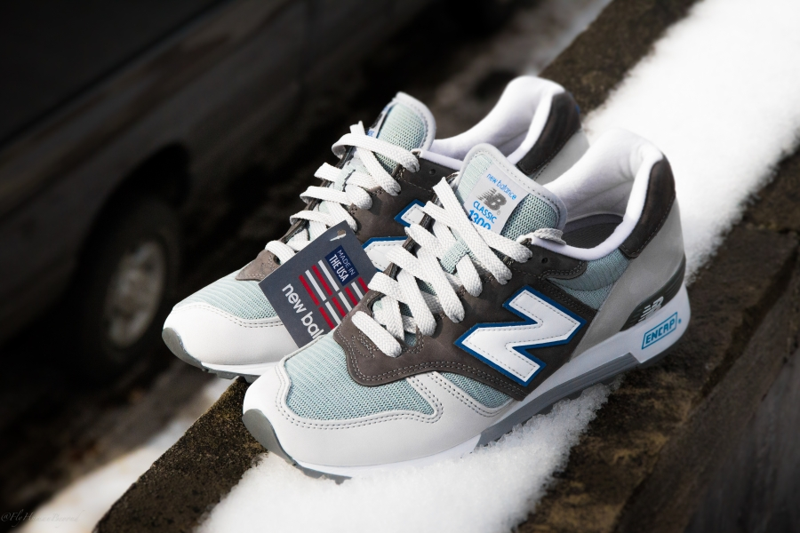 new-balance-1300-us-white-grey-blue-06