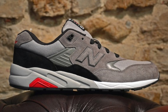 new-balance-mrt-580-grey-black-red-02-570x380