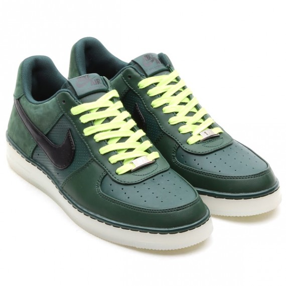 nike-air-force-1-downtown-pro-green-black-white-volt-01-570x570