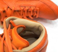 nike-air-python-lux-sp-orange-2-570x403