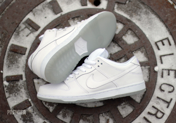 nike-sb-dunk-low-white-icy-sole-1