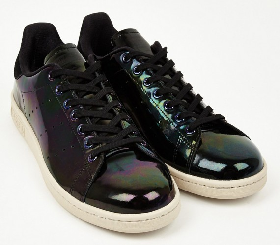 adidas-stan-smith-oil-spill-03-570x499