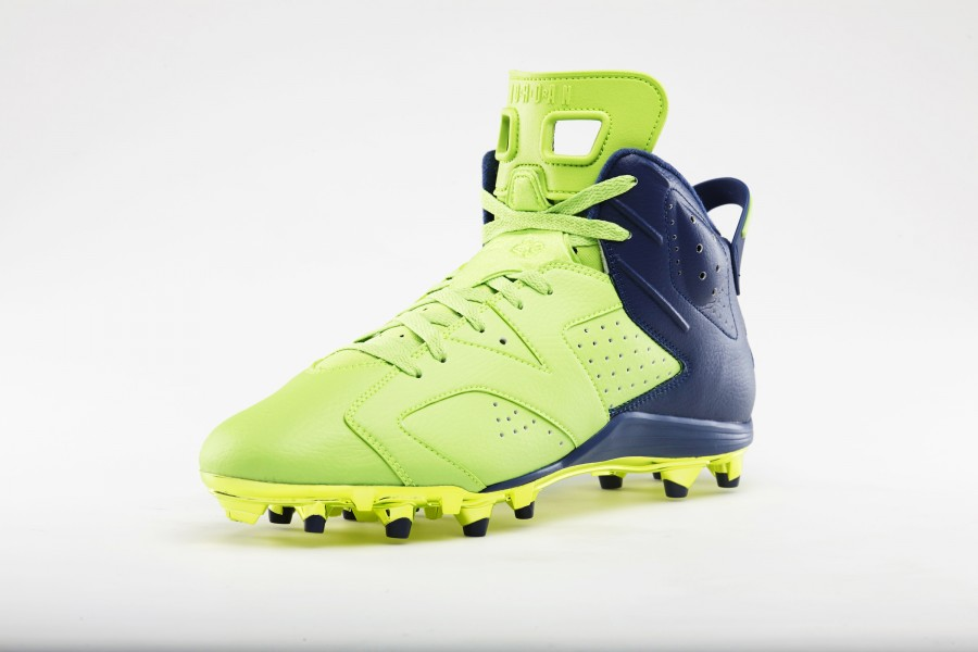 earl-thomas-super-bowl-air-jordan-6-pe-cleats-03-900x600