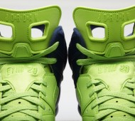 earl-thomas-super-bowl-air-jordan-6-pe-cleats-04-900x600