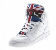 jeremy-scott-adidas-js-instinct-union-jack-flag-01-570x493