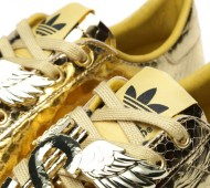 jeremy-scott-adidas-originals-rod-laver-gold-python-03-570x570