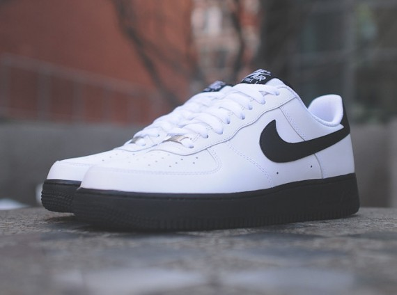 air force 1 white and black
