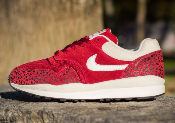 nike-air-safari-team-red-white-01-570x400
