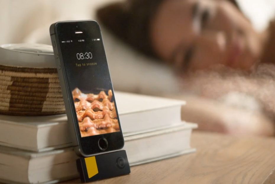 bacon-scented-iphone-alarm-1