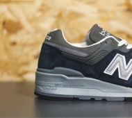 new-balance-997-navy-available-04-570x380