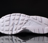 nike-air-huarache-white-pure-platnium-03