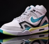 nike-air-tech-challenge-ii-turbo-green-03-900x632