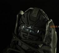 nike-lebron-11-blackout-03-570x379