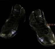 nike-lebron-11-blackout-05-570x379