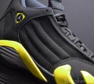 air-jordan-14-retro-black-yellow-thunder-4