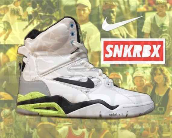 nike-air-command-force-2014-retro-02-570x459 (1)