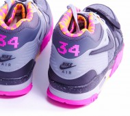 nike-air-trainer-iii-bo-knows-horse-racing-12