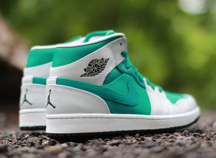 air-jordan-1-mid-pure-platinum-lush-teal-1