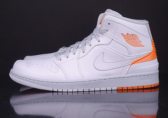 air-jordan-1-retro-86-white-kumquat-pure-platinum-02