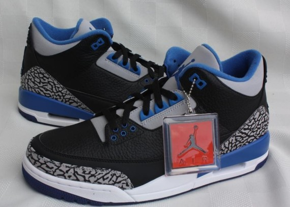 jordan-3-retro-black-blue-grey-05-570x407