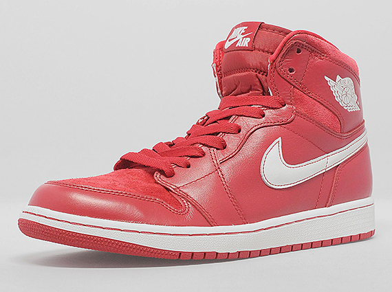 air-jordan-1-retro-high-og-gym-red-euro-exclusive