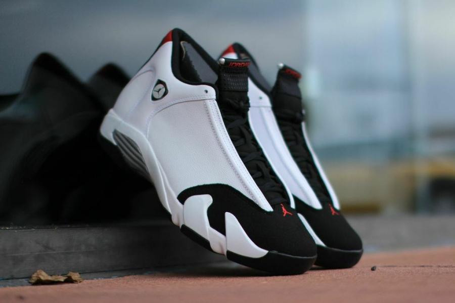 black-toe-jordan-14-02