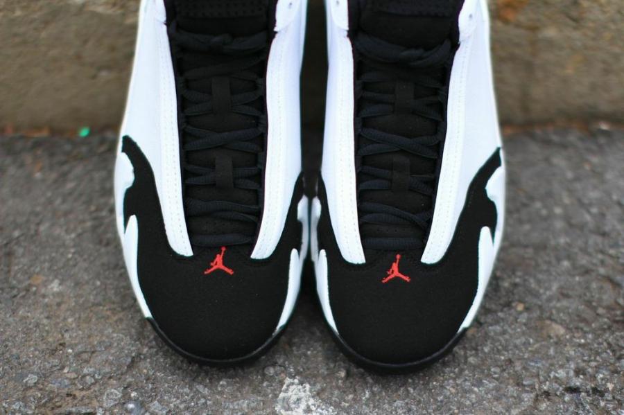 black-toe-jordan-14-04