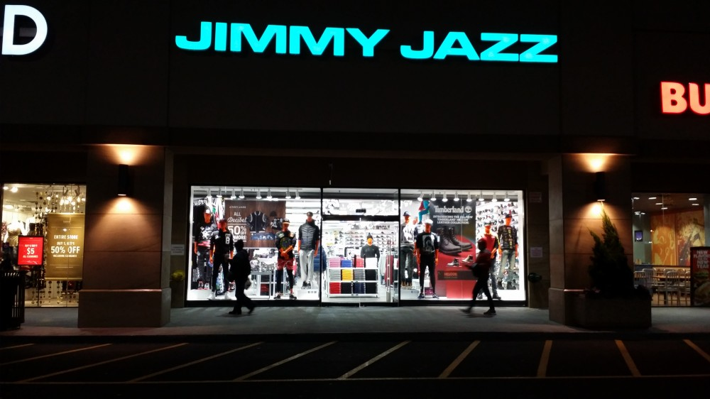 jimmy jazz bay plaza carries 8and9 2