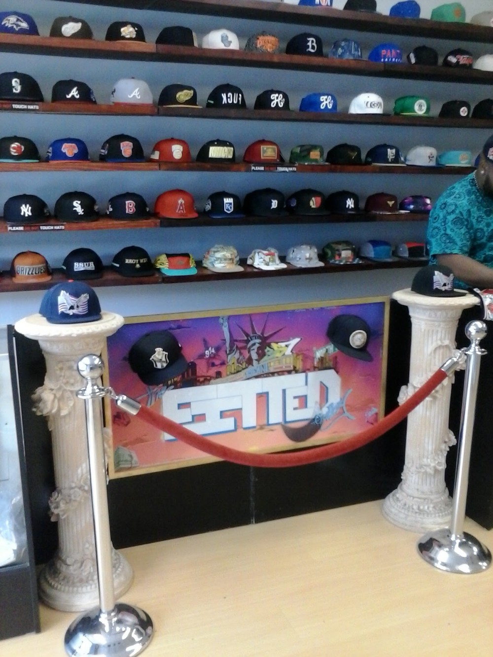 the fitted gallery carries 8and9