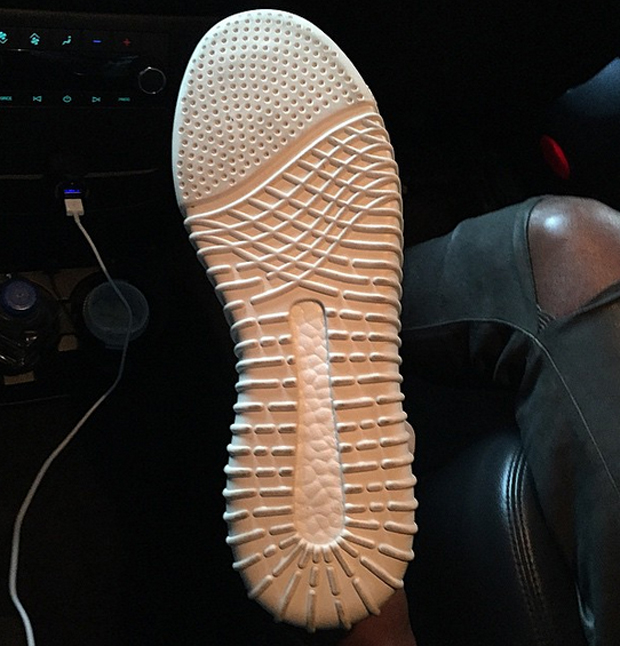 adidas yeezy 3 bottom sole